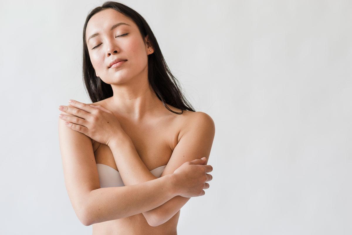 nude Vietnamese girl